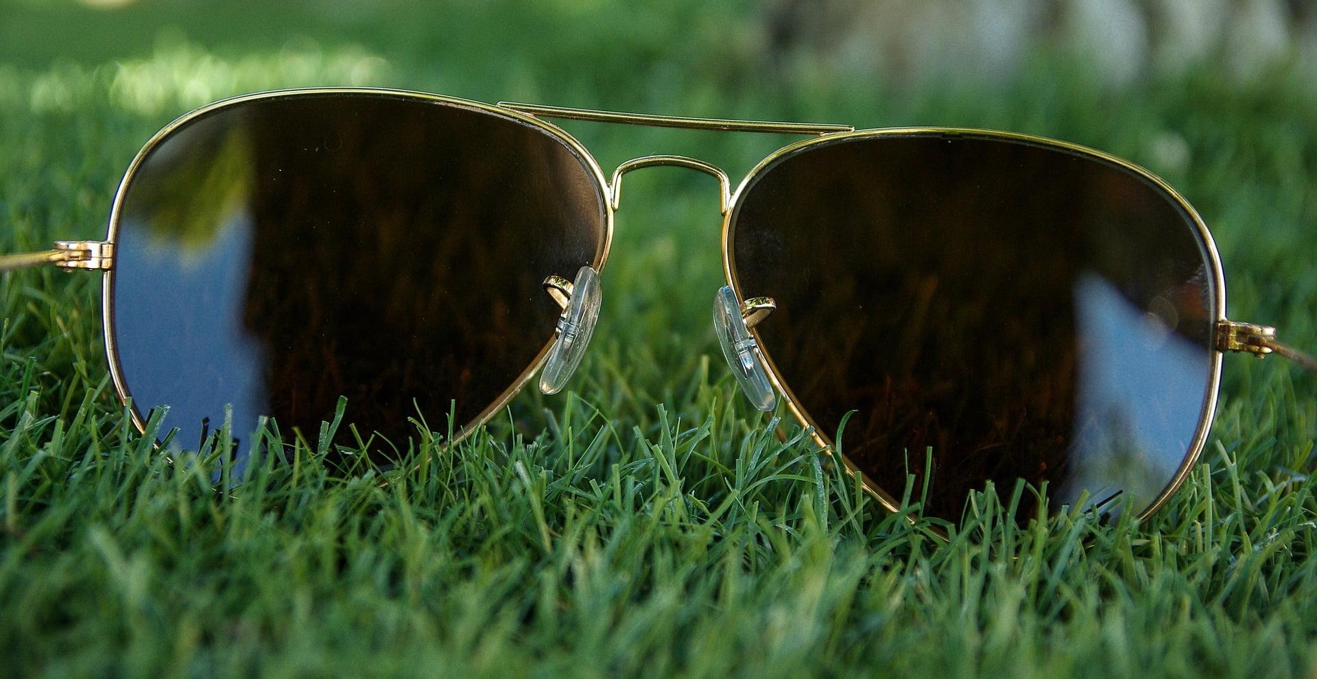 Czy da sie usunąć rysy na okularach? Oto proste sposoby
