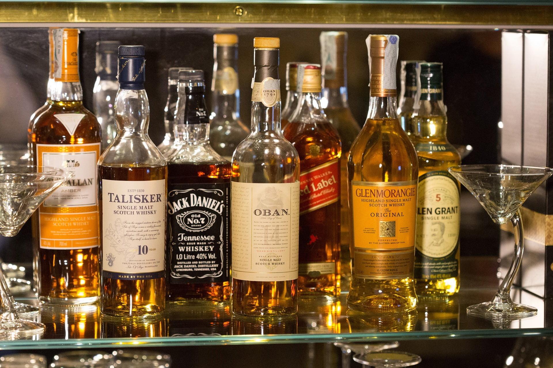 Czym się różni bourbon od whisky?