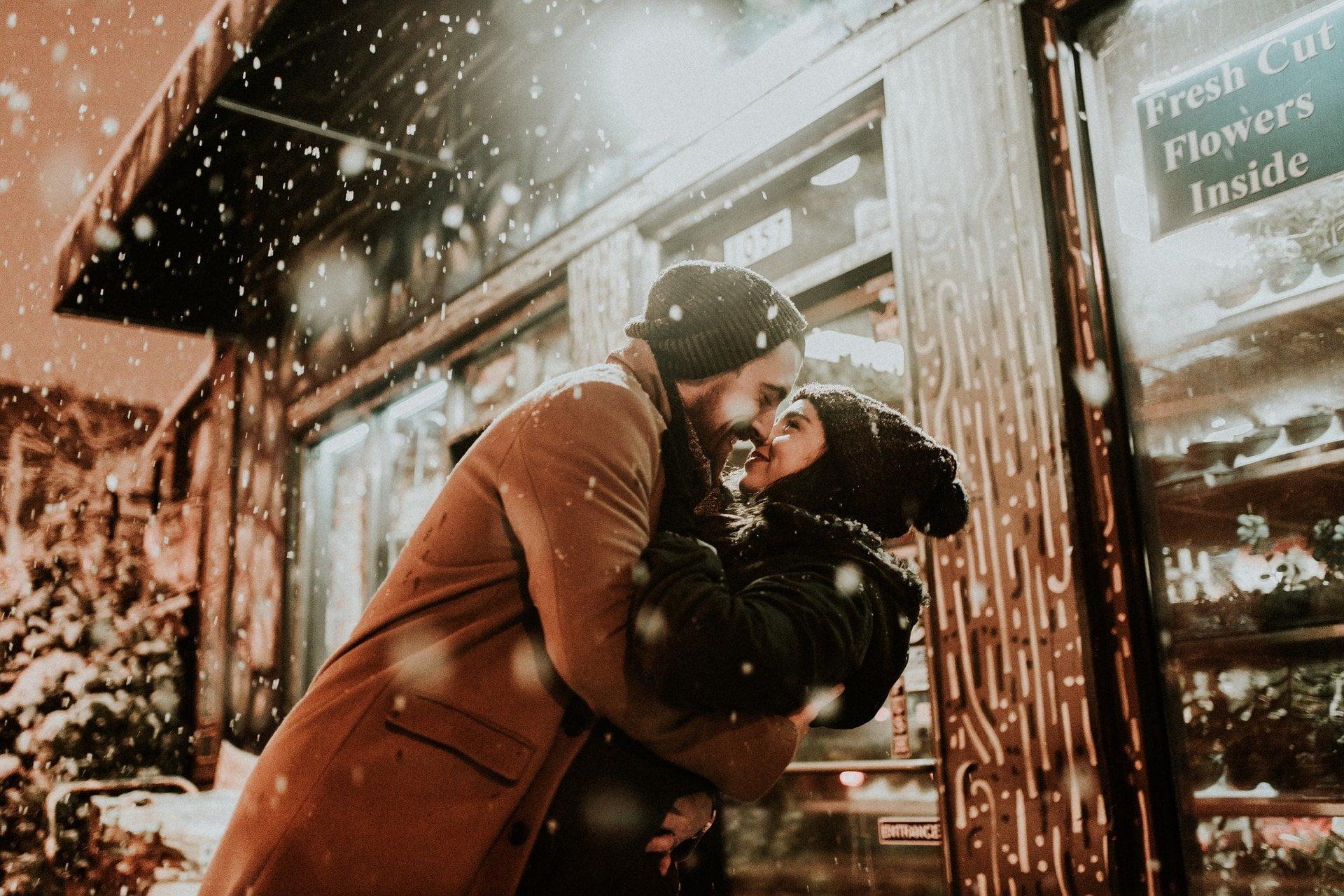 Czym jest miłość dla mężczyzn – jak kochać kobietę?