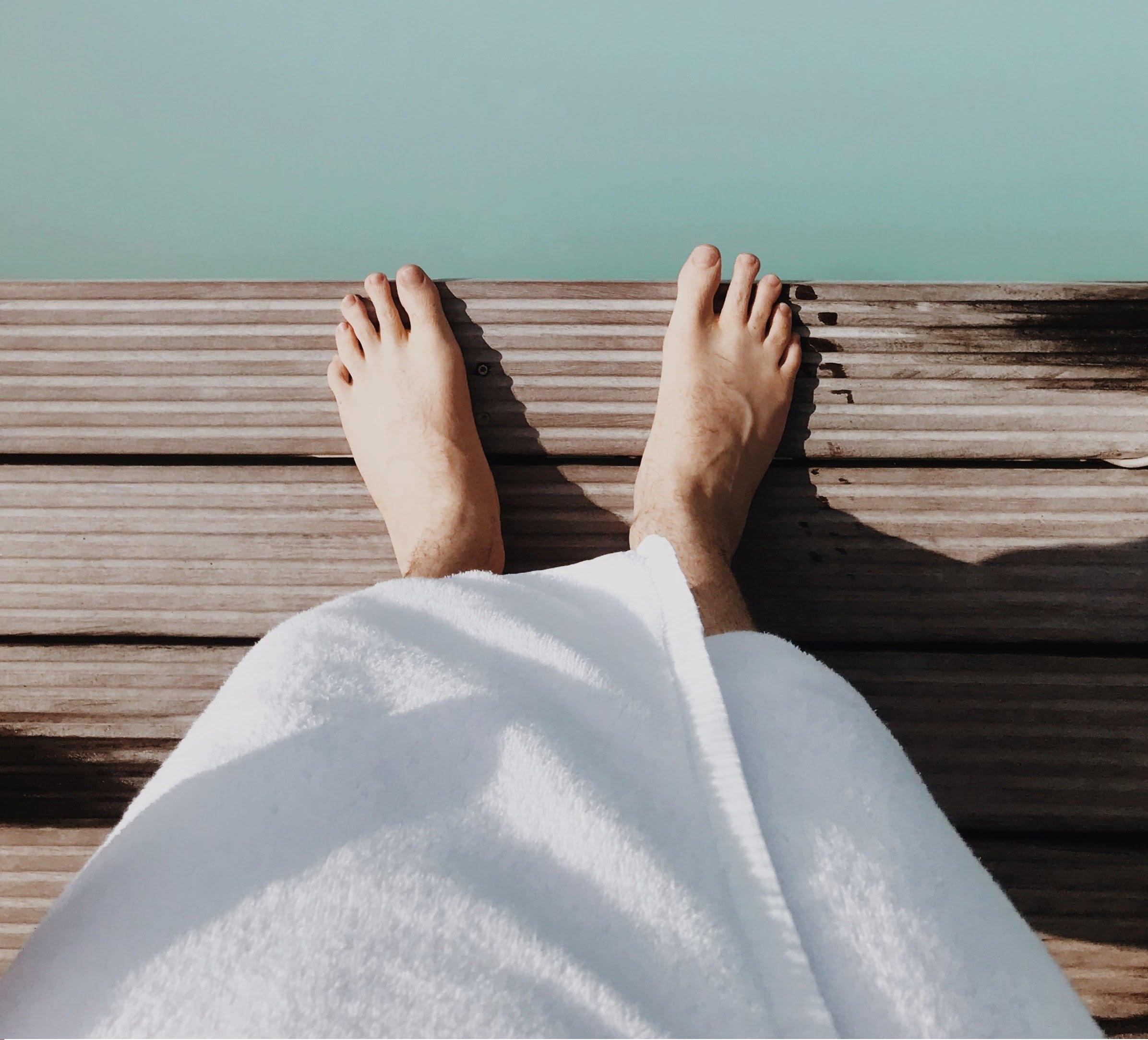 Domowe sposoby na pocenie się nóg – wskazówki