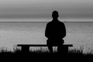 Jak poradzić sobie z samotnością i nieśmiałością? Oto sposoby
