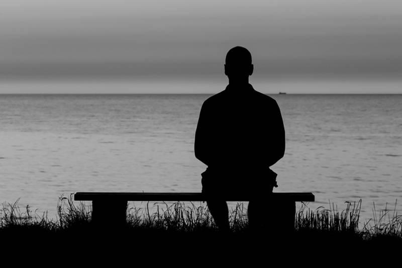Jak poradzić sobie z samotnością i nieśmiałością?