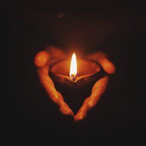 Jak złożyć i napisać kondolencje z powodu śmierci?