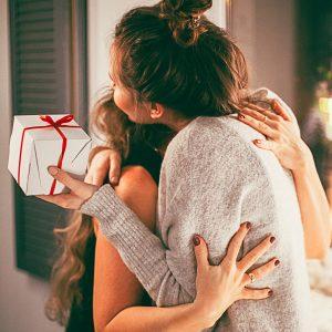 Prezent świąteczny dla mamy – na co zwracać uwagę?